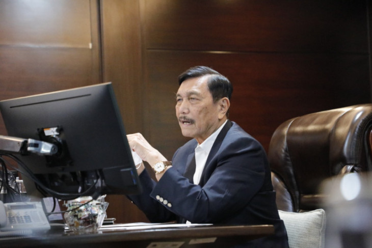 Luhut perjelas aturan kerja di kantor pada sektor esensial dan kritikal