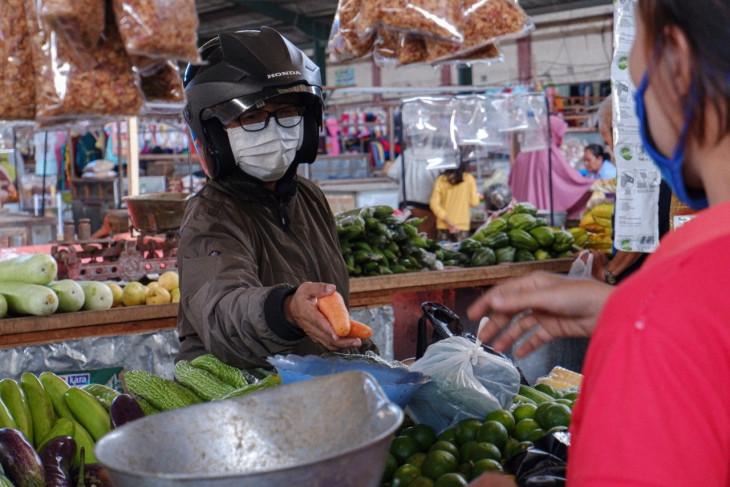 Pasar tradisional di Kota Kediri tutup lebih awal selama PPKM darurat