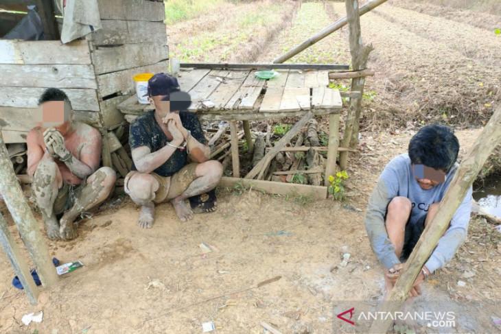 Video detik-detik penangkapan para budak sabu di tengah sawah Desa Guha, HST