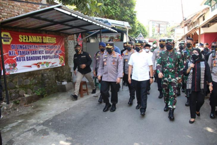 Kapolri dan Panglima TNI tinjau pos penyekatan PPKM darurat di empat provinsi