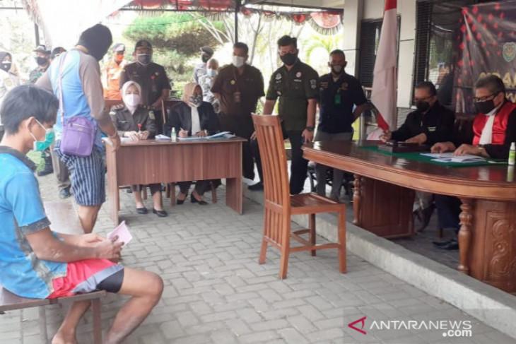 27 pelanggar PPKM darurat di Bogor dilakukan sidang tipiring di tempat