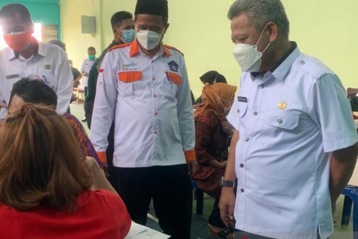 Pemerintah Desa Teluk Kapuas lakukan percepatan vaksinasi COVID-19