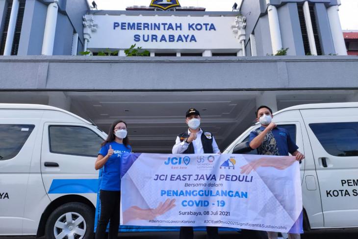Peduli tanggulangi COVID-19, JCI pinjamkan lima unit ambulans ke Pemkot Surabaya