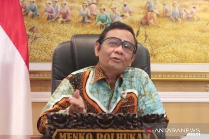 Menko Polhukam tanggapi soal bantuan oksigen Indonesia ke India