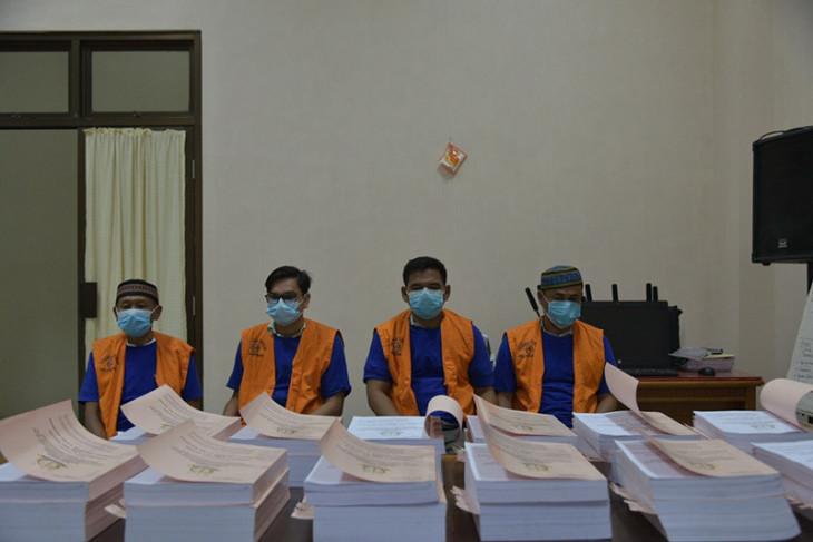 Penyidik Kejati Aceh limpahkan perkara korupsi Rp11,6 miliar ke JPU