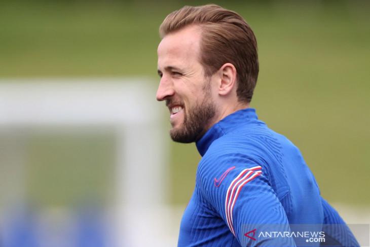 Harry Kane absen bela Tottenham  Spurs lawan Pacos dalam Europa Conference League