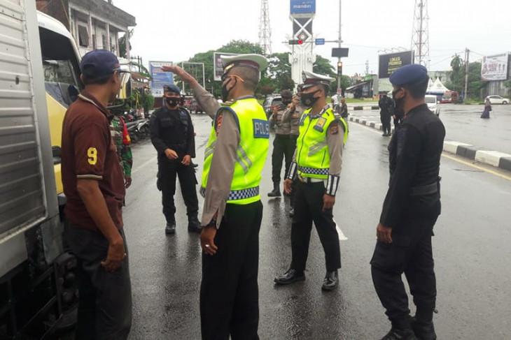 Polda Aceh Perketat Masyarakat Masuk Kota Banda Aceh Antara News Aceh
