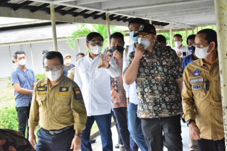 Ketua dan Waka DPRD dampingi gubernur tinjau eks RS Pertamina