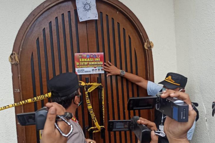 Polisi Badung segel tempat hiburan diduga gelar pesta saat PPKM Darurat