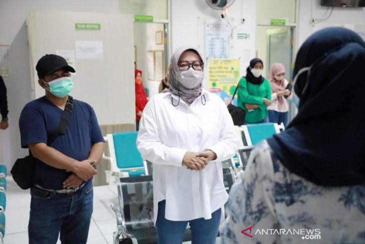Bupati Bogor Ade Yasin beri sanksi staf puskesmas yang karaoke saat jam kerja