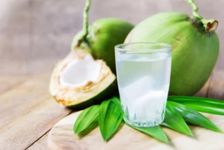 Air kelapa baik untuk tubuh asal tidak diminum secara berlebihan
