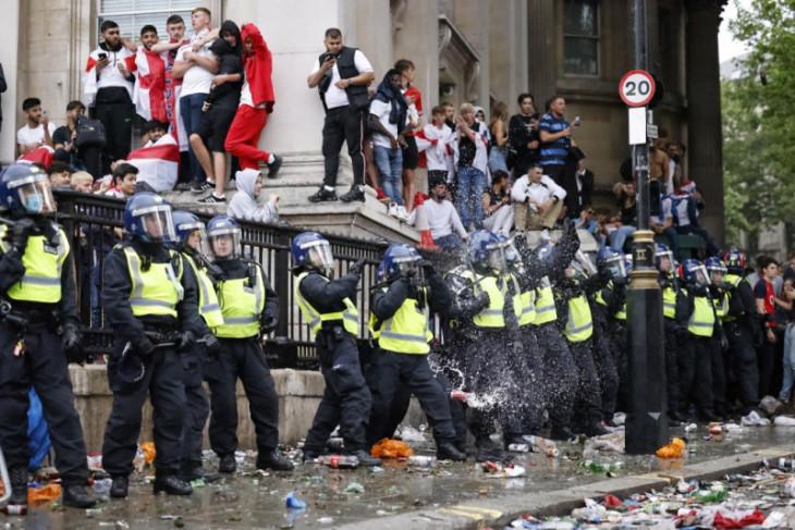 Parlemen Inggris tuntut penjelasan FA  soal ricuh sekitar final Euro
