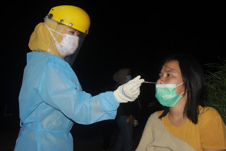 Satgas COVID-19 Ternate tes antigen warga berkeliaran tanpa masker