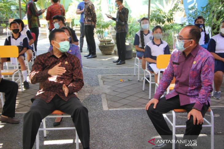 Satgas Bali targetkan satu sekolah selesaikan vaksinasi COVID-19 dalam dua hari