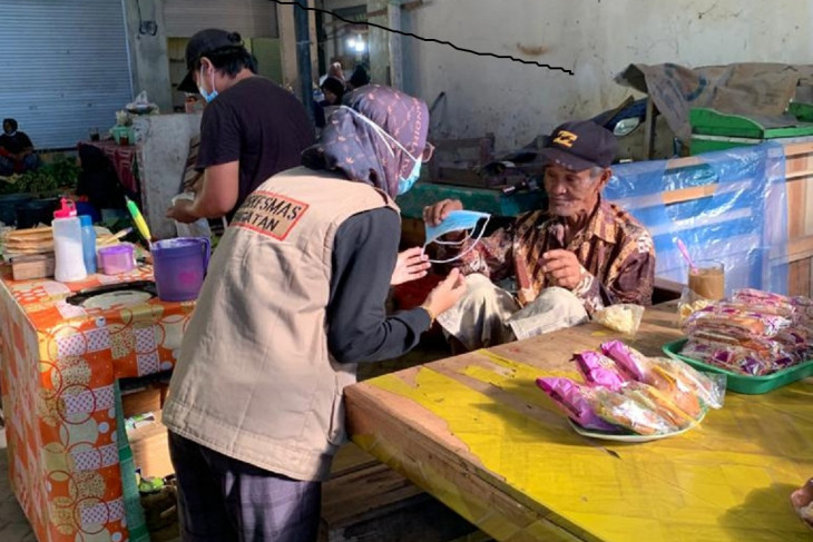 Satgas COVID-19 Tanah Bumbu bagikan ribuan masker