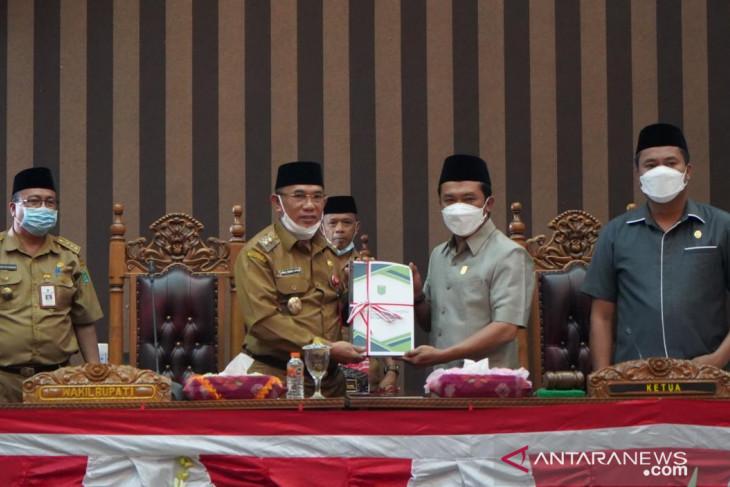Wakil Bupati Tanah Bumbu sampaikan KUA PPAS periode 2022
