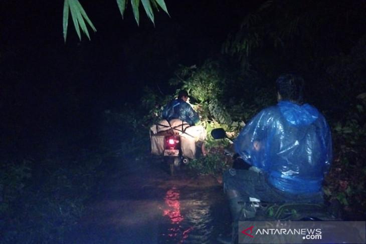 Banjir dan longsor, 6 desa di Seluma Bengkulu terisolir