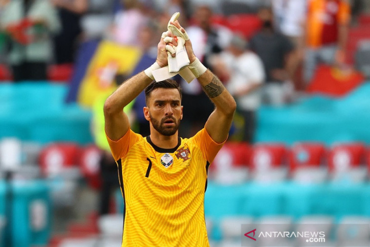 Rui Patricio pembelian pertama Roma era Mourinho