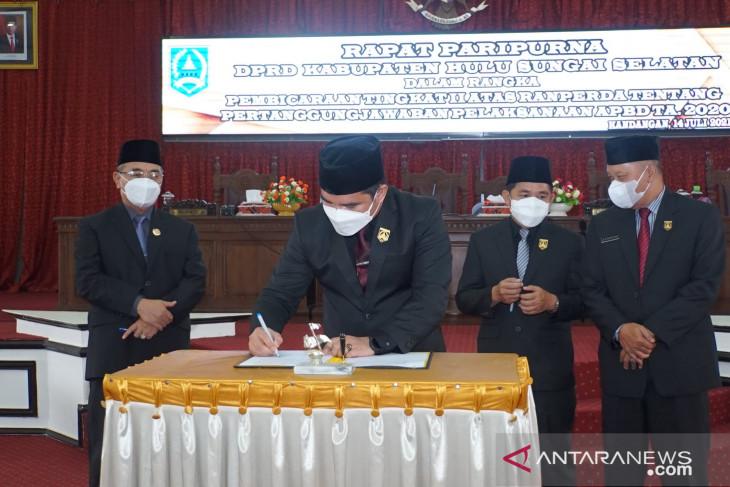 Persetujuan bersama perda APBD 2020 wujud kemitraan DPRD dan Pemkab HSS