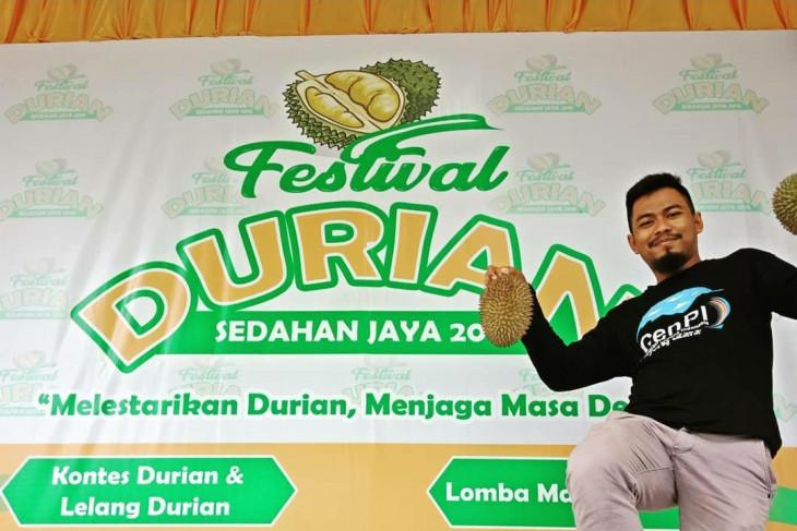Disporapar Kayong Utara batalkan Festival Durian 2021 cegah penyebaran COVID