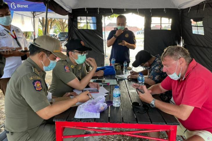 Tujuh WNA terjaring razia prokes di Bali