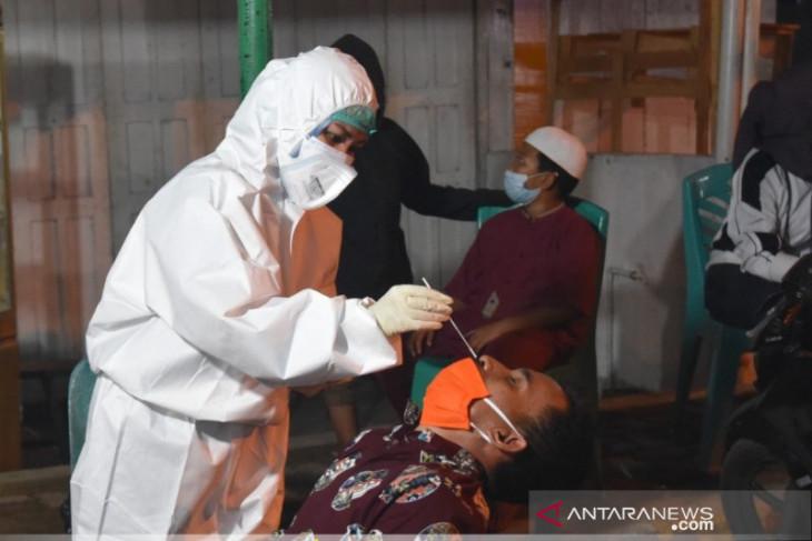 Tiga warga Padangsidimpuan reaktif usai sweb antigen di tempat