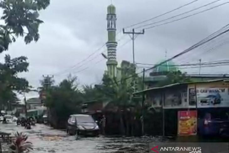 Sejumlah wilayah Indonesia  berpotensi alami hujan lebat disertai angin
