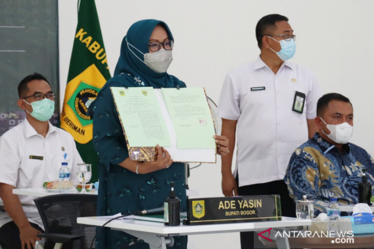 Bupati Bogor dan Pangdam III Siliwangi kerja sama bangun 33 jembatan