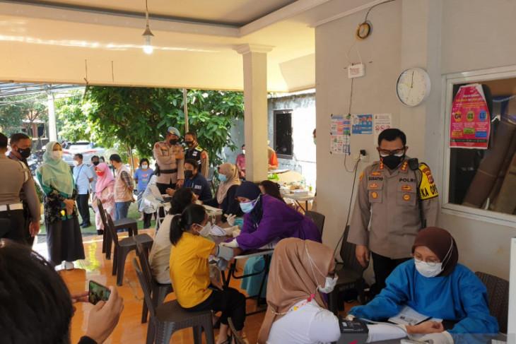 Vaksinasi massal keliling di 68 RT zona merah di Kota Bogor  telah menyasar 1.704 orang