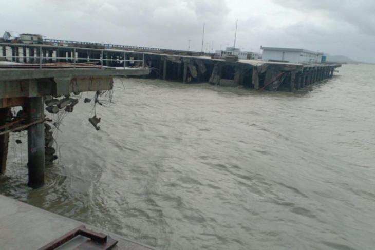 Pelindo II : Trestle di Terminal Kijing roboh karena dihantam tongkang