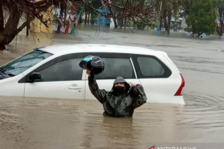 Ibu kota Kabupaten Kayong Utara Kalbar dilanda banjir