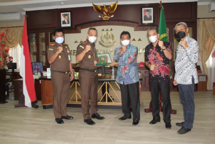 Wali Kota Binjai silaturahmi kepada Kajati Sumut