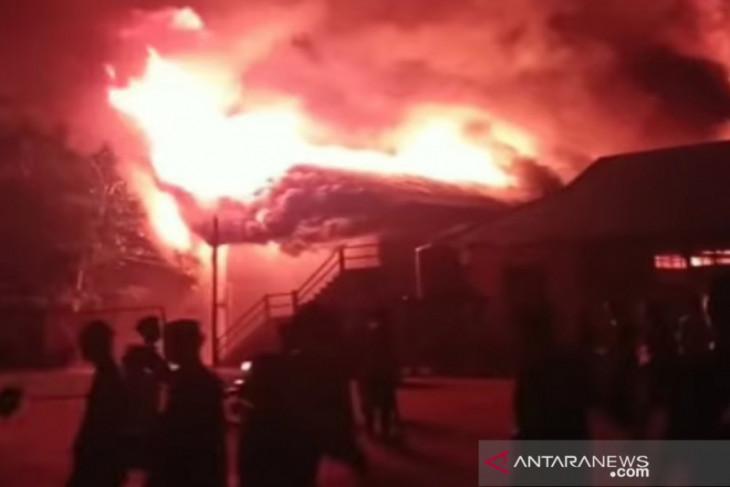 Pondok Pesantren Al Falah Putera di Banjarbaru terbakar