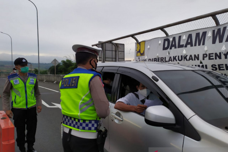 Ribuan kendaraan akan masuk Sukabumi diputar balik selama PPKM darurat
