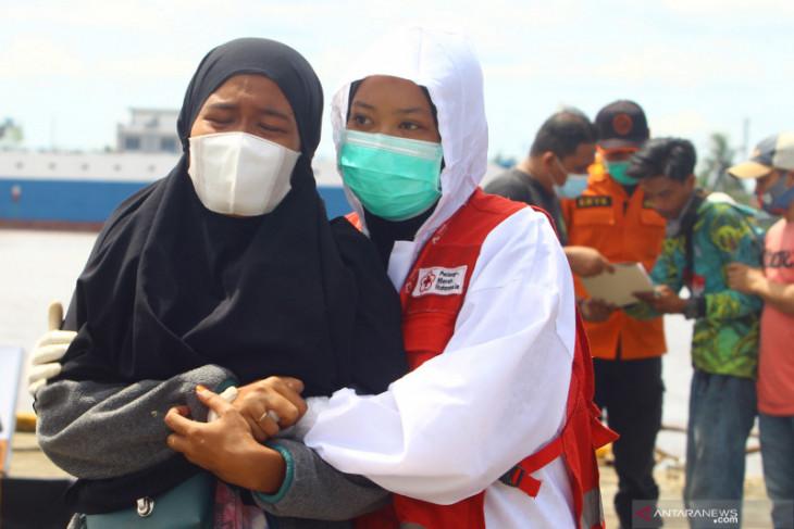 TNI AL kerahkan dua KRI cari kapal nelayan tenggelam di Kalbar