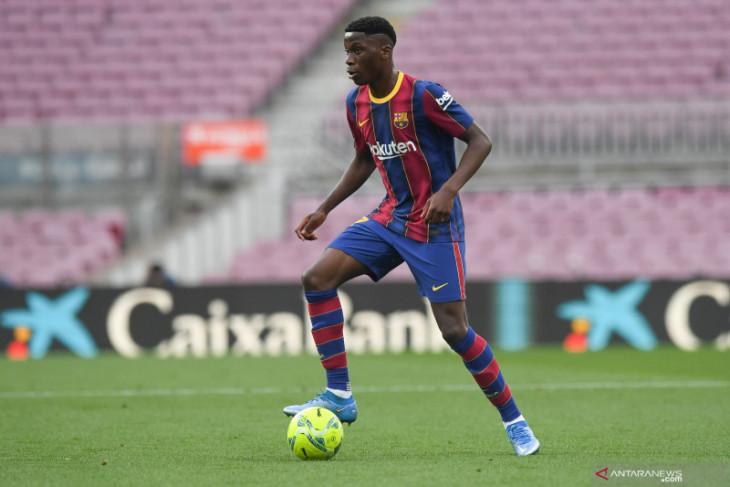 Barcelona tuding Madrid jadi penyebab Moriba belum perpanjang kontrak