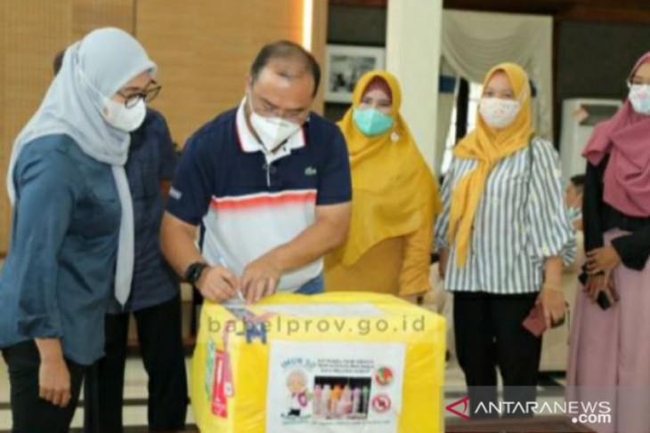 Gubernur Babel serahkan 1000 botol susu peningkat imunitas karya anak negeri
