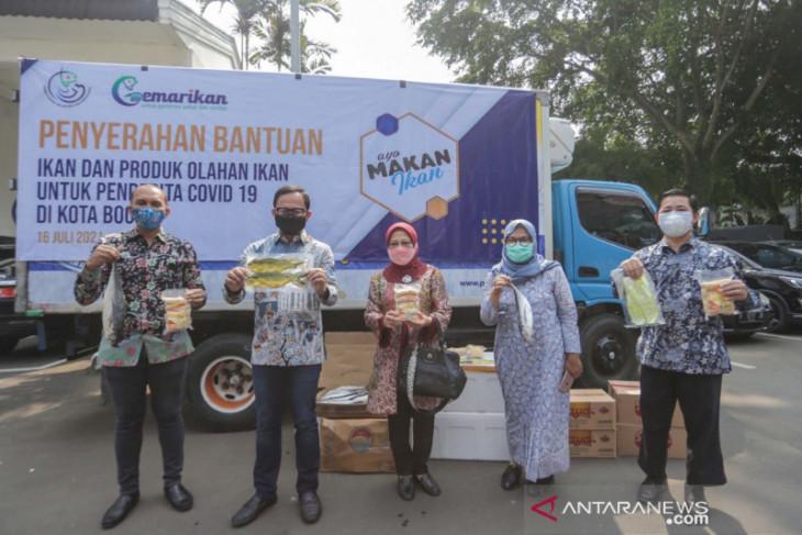 KKP kembali beri bantuan ikan beku dan ikan olahan untuk warga Kota Bogor isoman