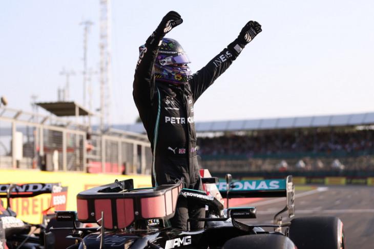 Hamilton rebut pole  untuk sprint race GP Inggris
