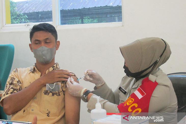 Dandim 0117 yakinkan masyarakat vaksin COVID-19 aman dan suci