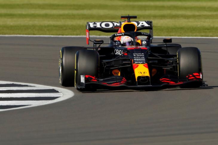 Verstappen pecundangi Hamilton untuk raih pole GP Inggris