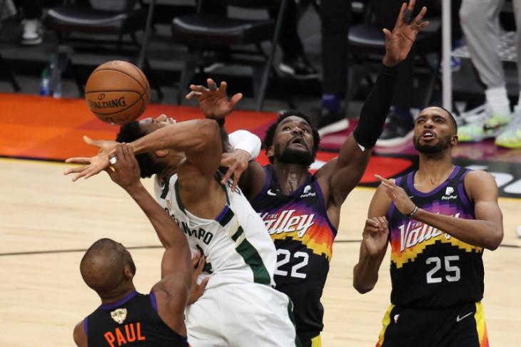Bucks selangkah lagi juara NBA dengan memimpin 3-2