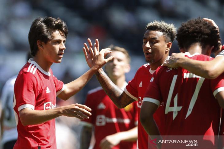 Manchester United batalkan laga persahabatan karena kasus COVID-19