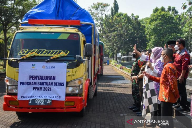 Pemkab Purwakarta distribusikan bantuan beras untuk 28 ribu KPM