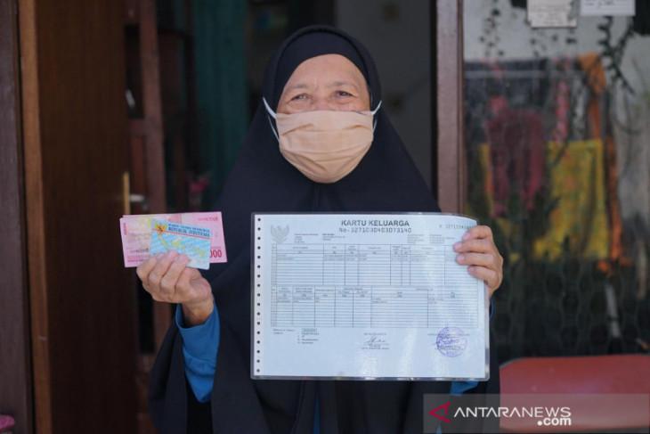 Kemensos berikan BST kepada 77.000 KK warga Kota Bogor
