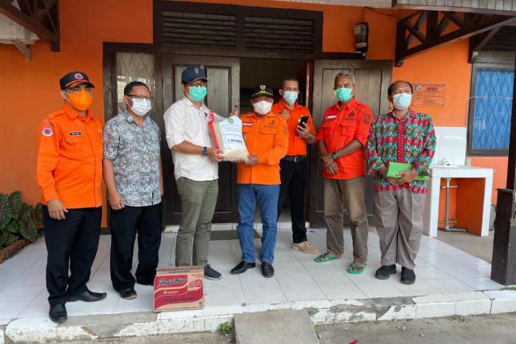 Dinas Ketahanan Pangan Kalbar salurkan bantuan beras ke warga terdampak banjir
