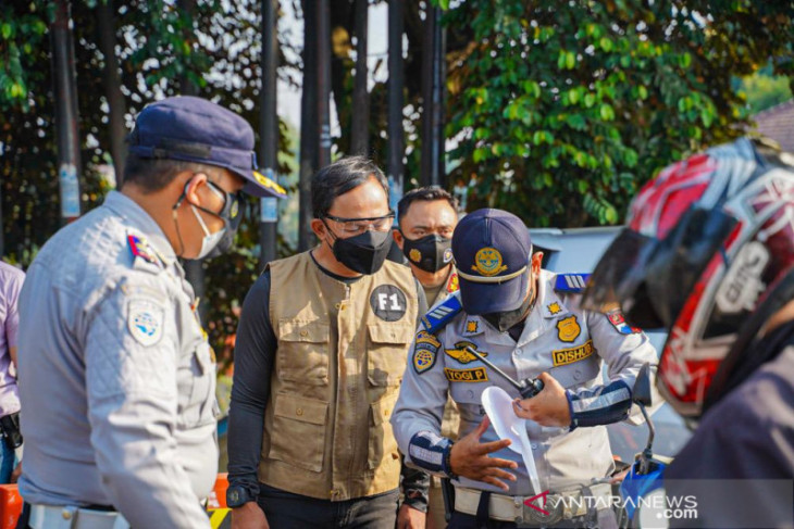 Wali Kota Bogor ingatkan petugas gabungan bersikap humanis kepada pengendara