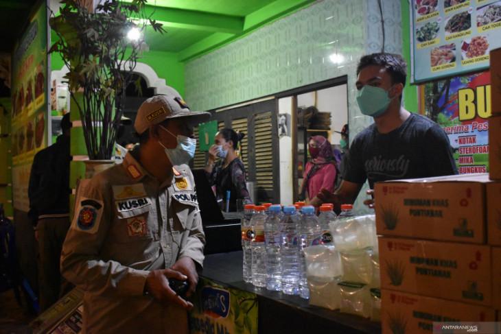 Kasus COVID-19 meningkat, tim gabungan kembali razia masker dan tempat nongkrong warga