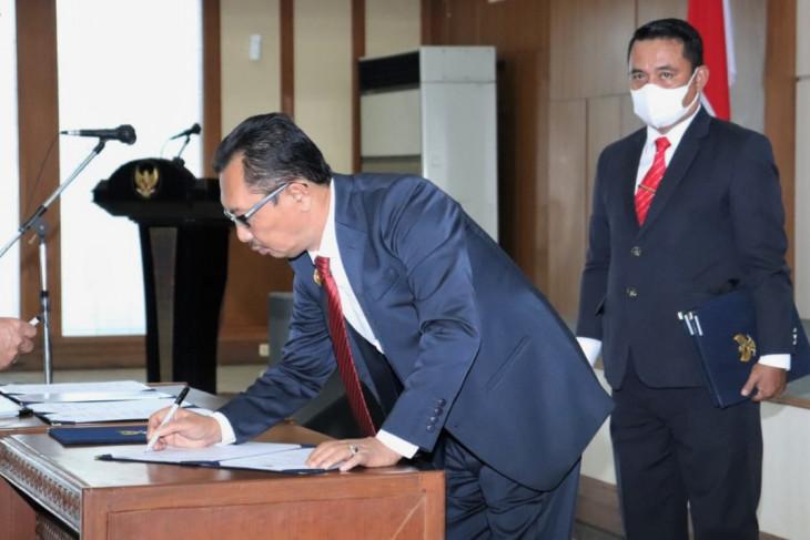 Gubernur Murad tunjuk Sadli Ie jadi Pelaksana Harian Sekda Maluku mengapa