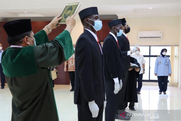 Three basketball players take Indonesian citizenship